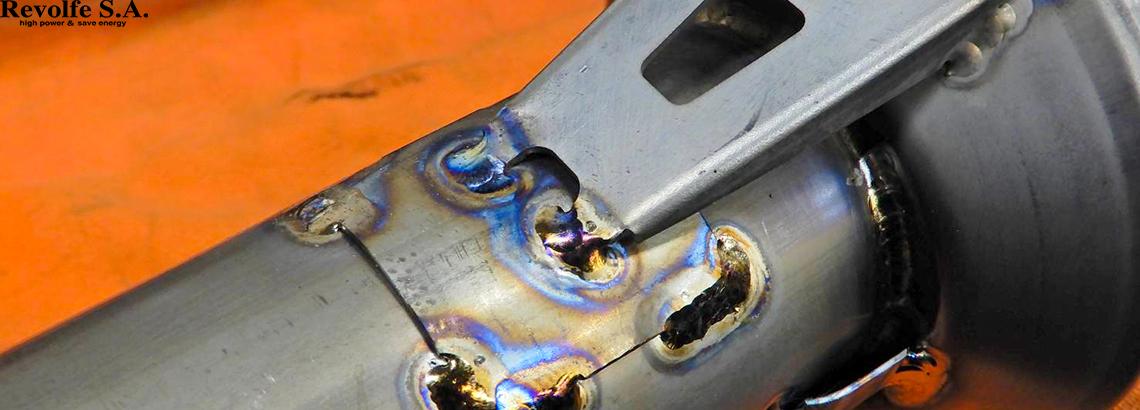 チタンマフラーの中間パイプ修理 – トヨタ・アリスト